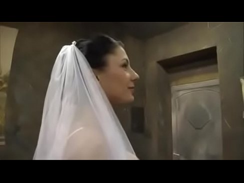 Sofia Gucci – Bride And The Old Man               LMAO