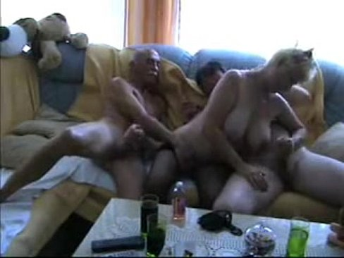 Amateur – Homemade Bisex Oral Matures MMF Threesome